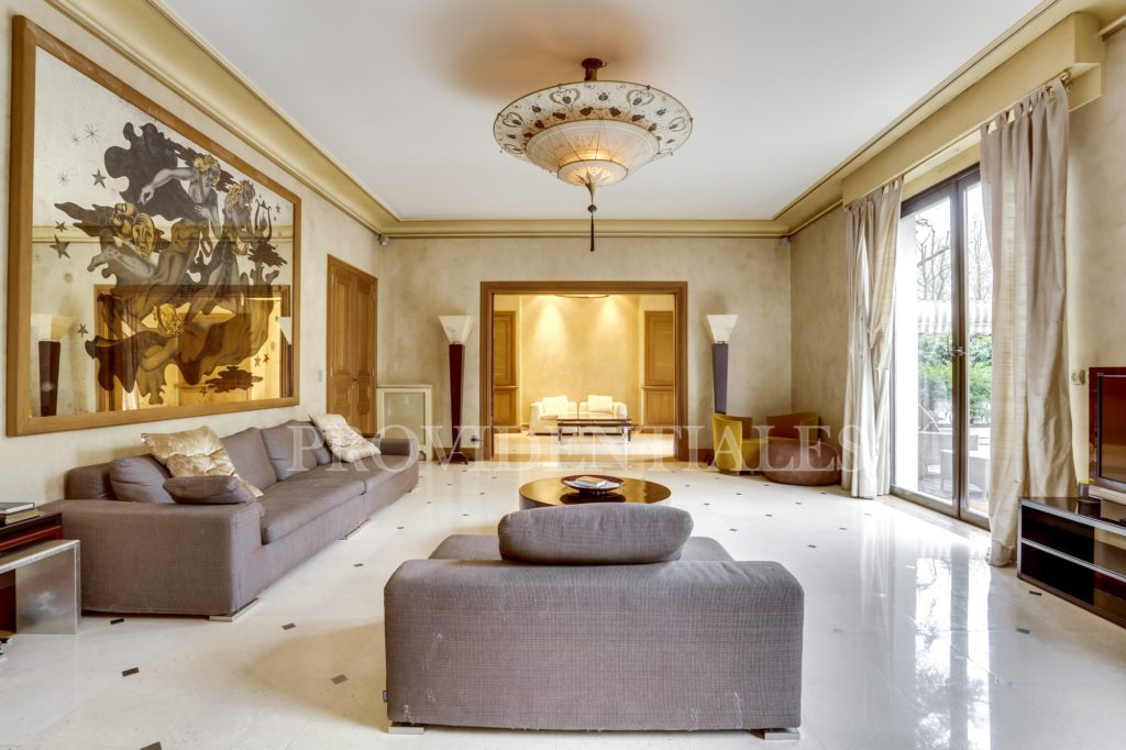 Appartement de luxe paris avec piscine top nos htels pour retrouver le charme du logement de for Appartement de prestige